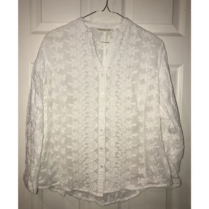 Beautiful White Embroidered Roses Blouse, Size M